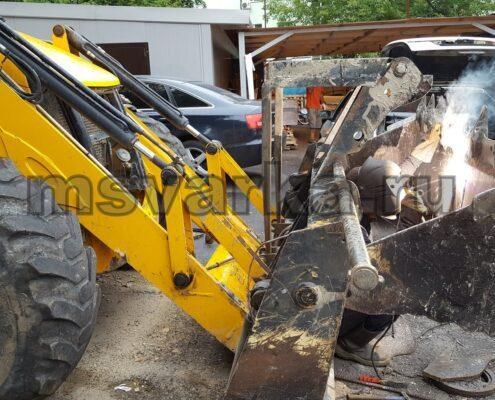 ремонт и сварка ковша тракторе jcb
