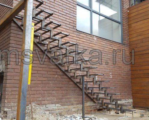 сварка лестницы из металла